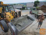 Mešalna zajemalka (žlica, kibla) za mešanje betona