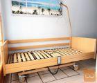 Električna negovalna postelja, s trapezom in blazino