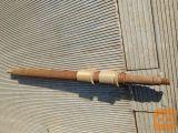 Osovina s trapez navojem in bronastimi maticami